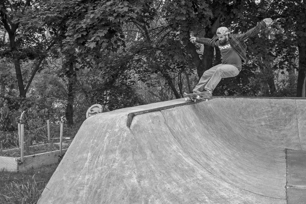 Dave Kaule - Frontside 5.0 grind
