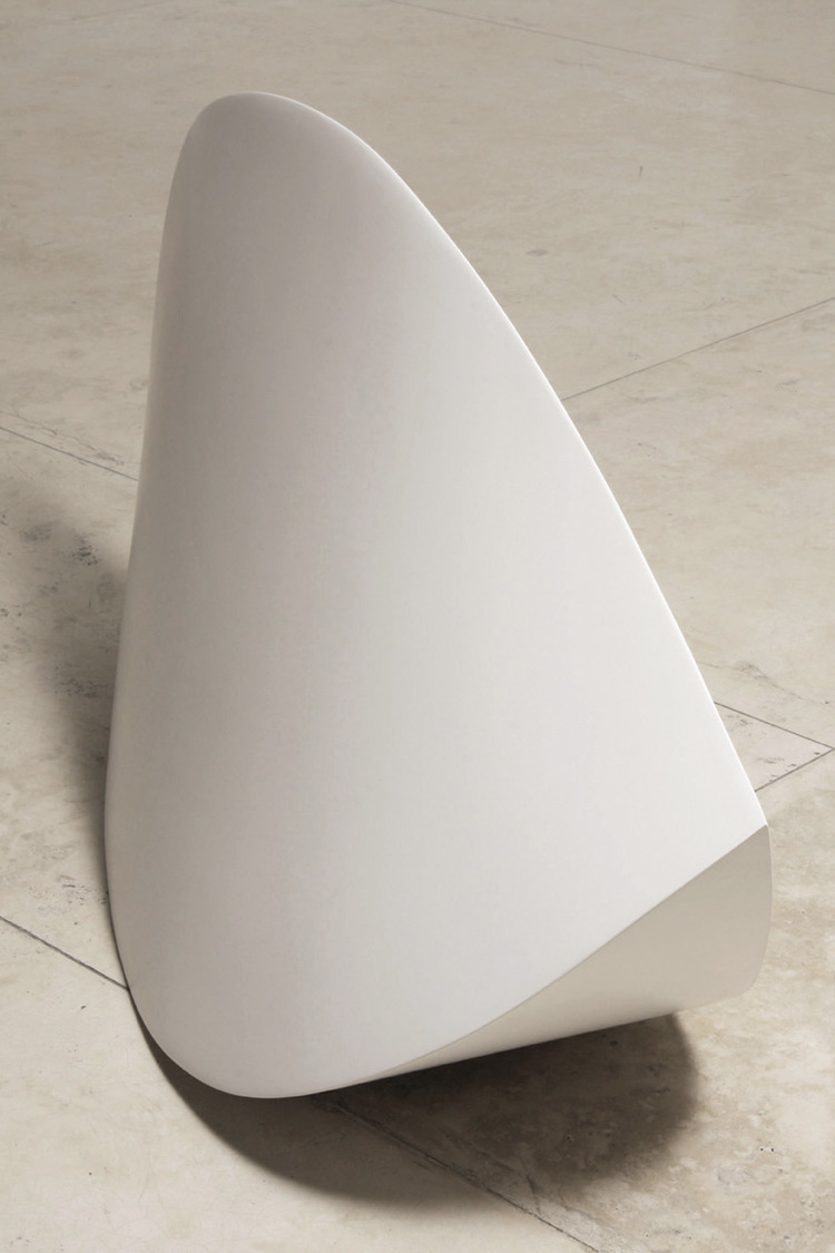 2Serpentina, 2007. Fiberglass, resin and polyurethane 38.5 x 79 x 24.5%22.jpg