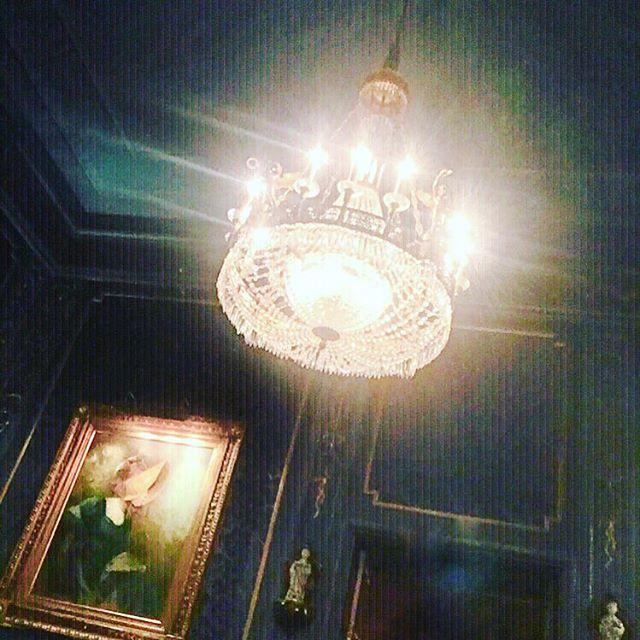Daylight Saving 😵😴😵 I need ☀️ #DaxGabler Life #IHaveThisThingWithCeilings #IHaveThisThingWithChandeliers