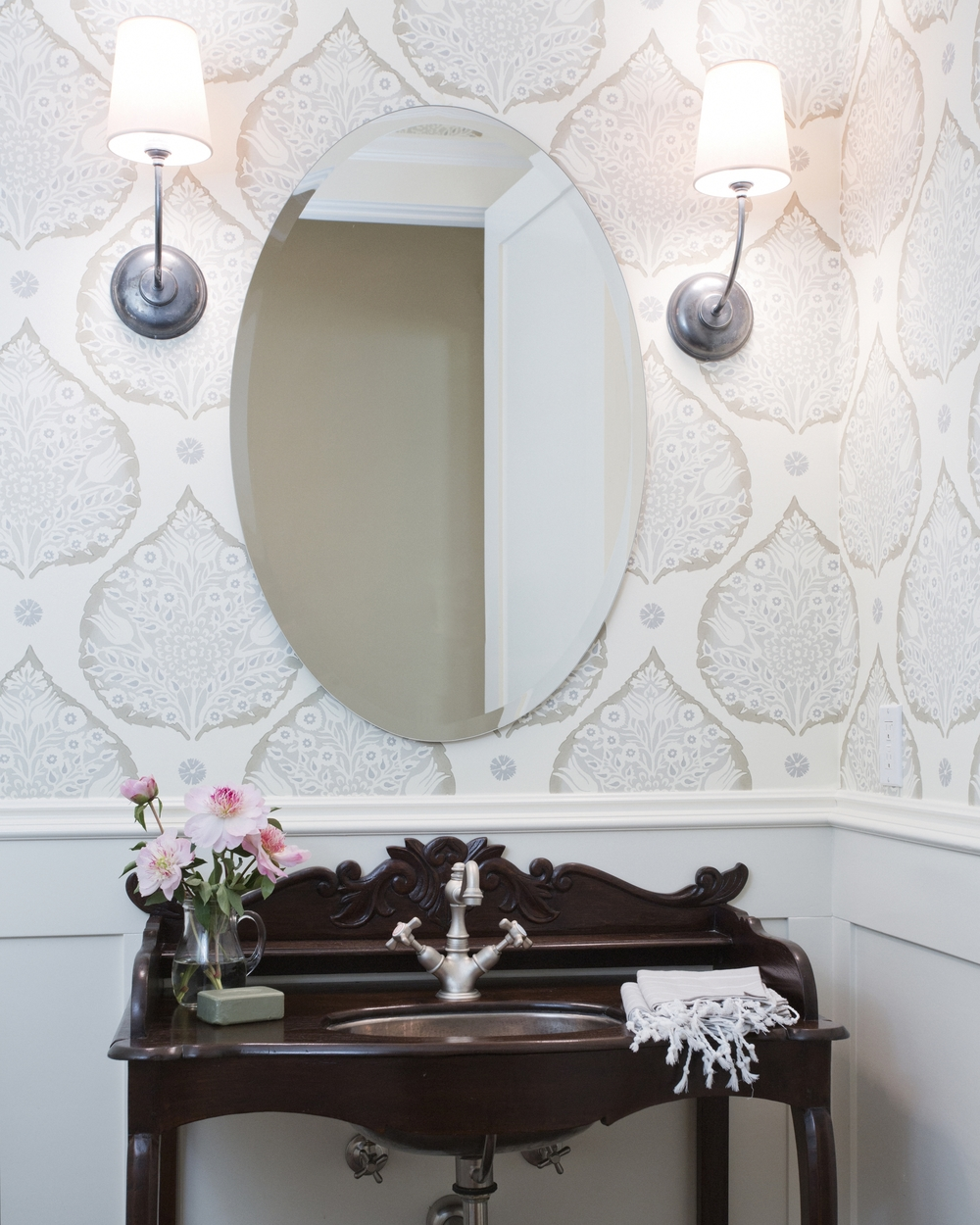 Wallpaper For Small Spaces Part - 24: Small Spaces Like Powder Rooms Are Perfect For Bold Prints! These Rooms Are  Often Windowless And Are Instantly Brightened With A Patterned Wall.