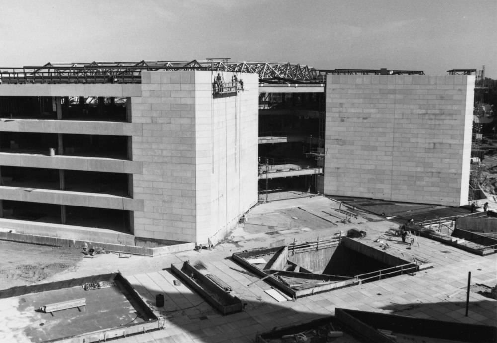 Installing exterior cast concrete elements, 9-24-1982