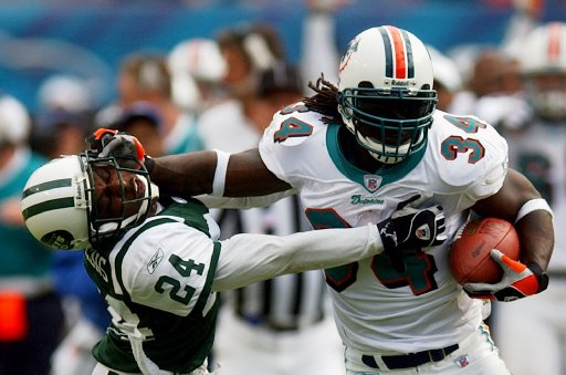 Ricky Williams during one of his prolific seasons with the Dolphins before retiring the first time.