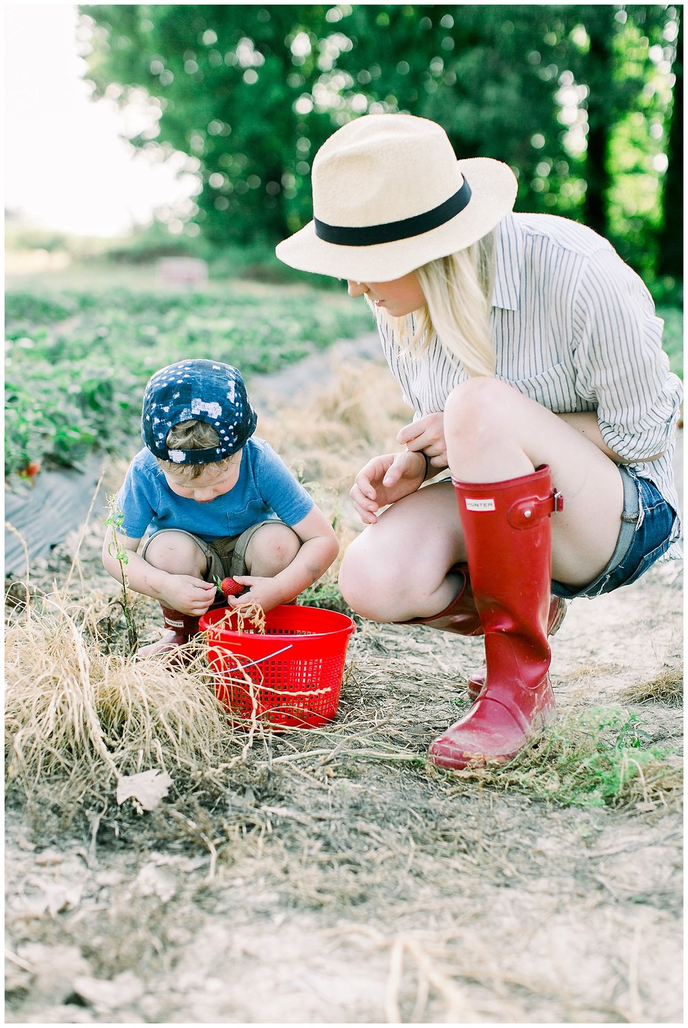 Jones Orchard, Hunter boots, Mom Blogger, Blogger Photographer, Memphis Fashion Photographer