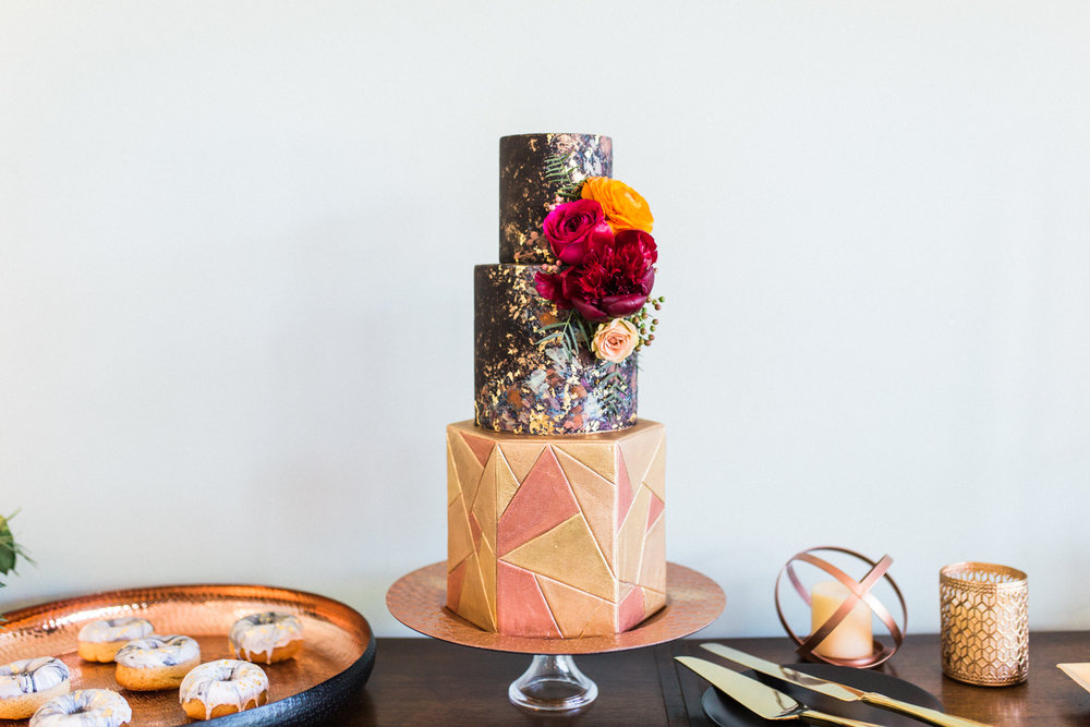 Floral wedding cake by Laura Ford