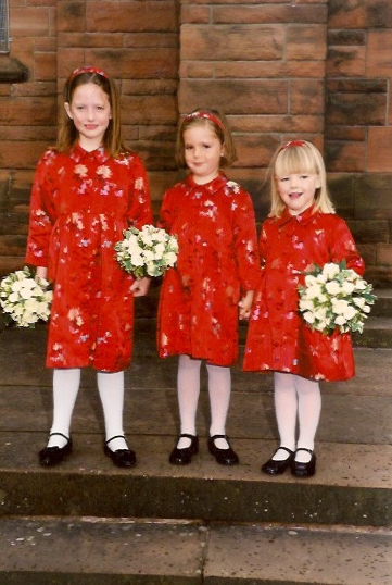 wedding-red-dresses-flower-girls.jpeg