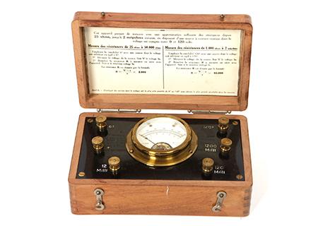 Voltmètre en coffret - SC014