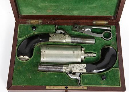 Paire de pistolets de voyage VENDU - HG030