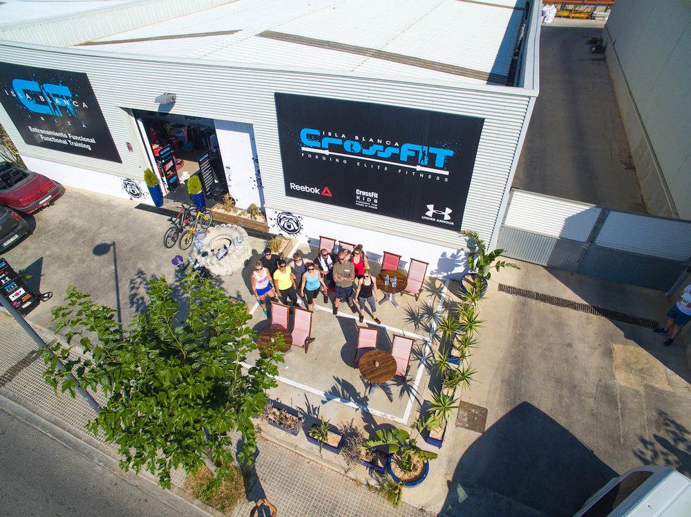 FOS Drinks fos The Focus Drink fos BCAA CrossFit BellMondo Ibiza Energy Energydrink Koffein Gesund Erfolg Vitamine Villa-5.jpg