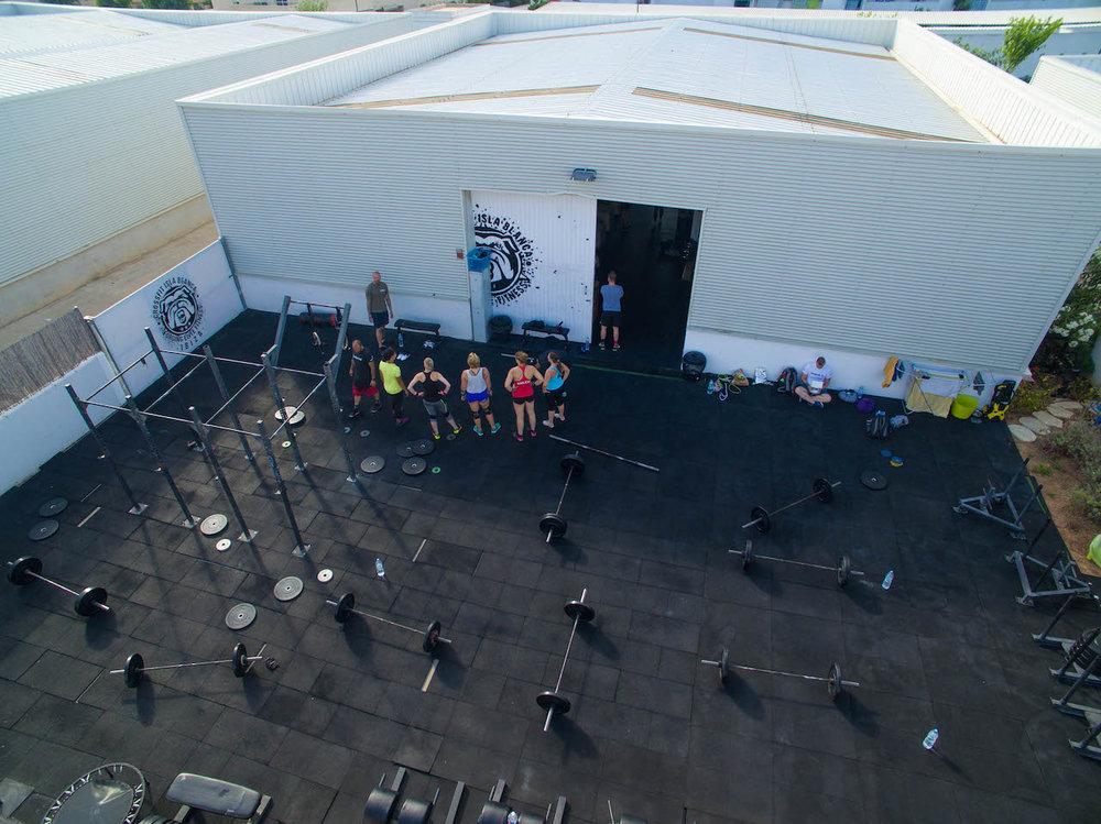 FOS Drinks fos The Focus Drink fos BCAA CrossFit BellMondo Ibiza Energy Energydrink Koffein Gesund Erfolg Vitamine Villa.jpg