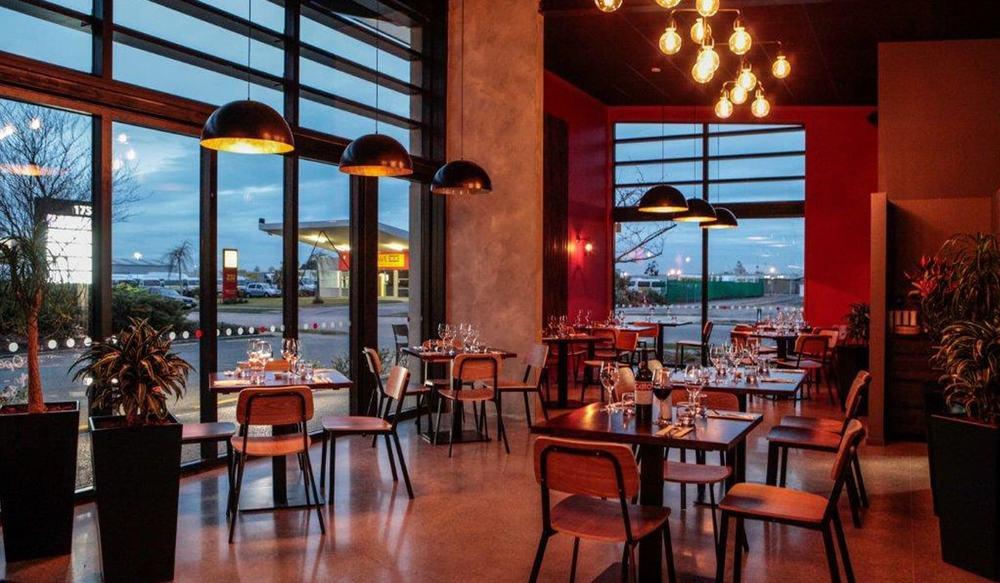 Gusto bar restaurant