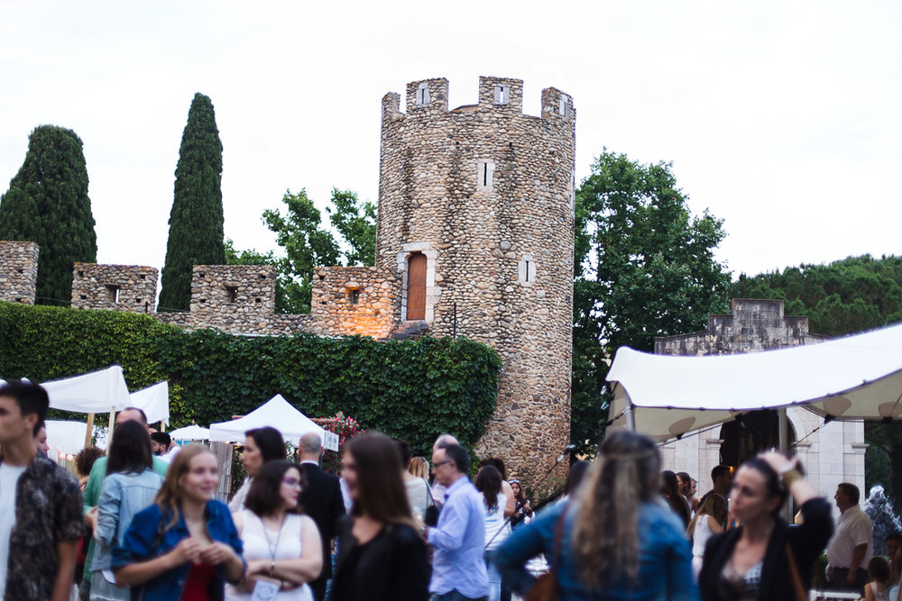 THE-WEDDING-MARKET-CASTELL-DE-PERALADA-PHOTOGRAFEEL-BODAS-16.jpg