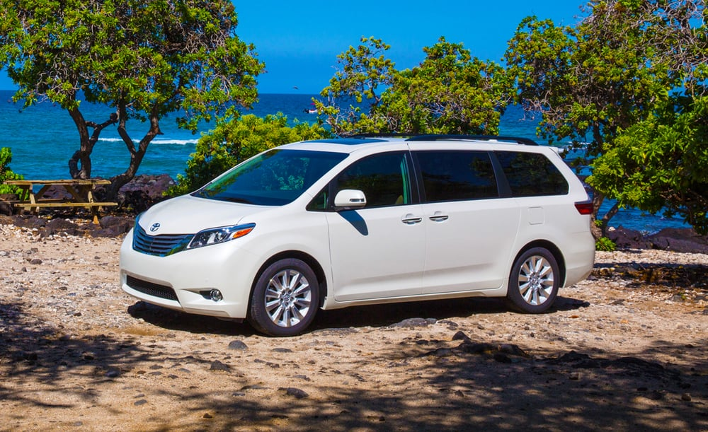 2015-toyota-sienna-first-drive-review-car-and-driver-photo-630376-s-original.jpg