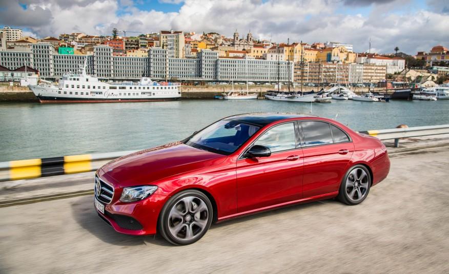 2017-Mercedes-Benz-E300-104-876x535.jpg