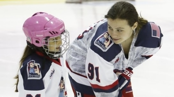 Taylor Holtze, NY Riveters (NWHL)
