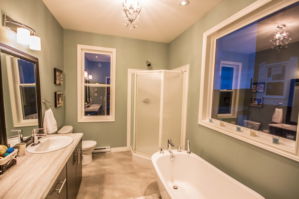 1 Megan Ridge - Master Bathroom.jpg