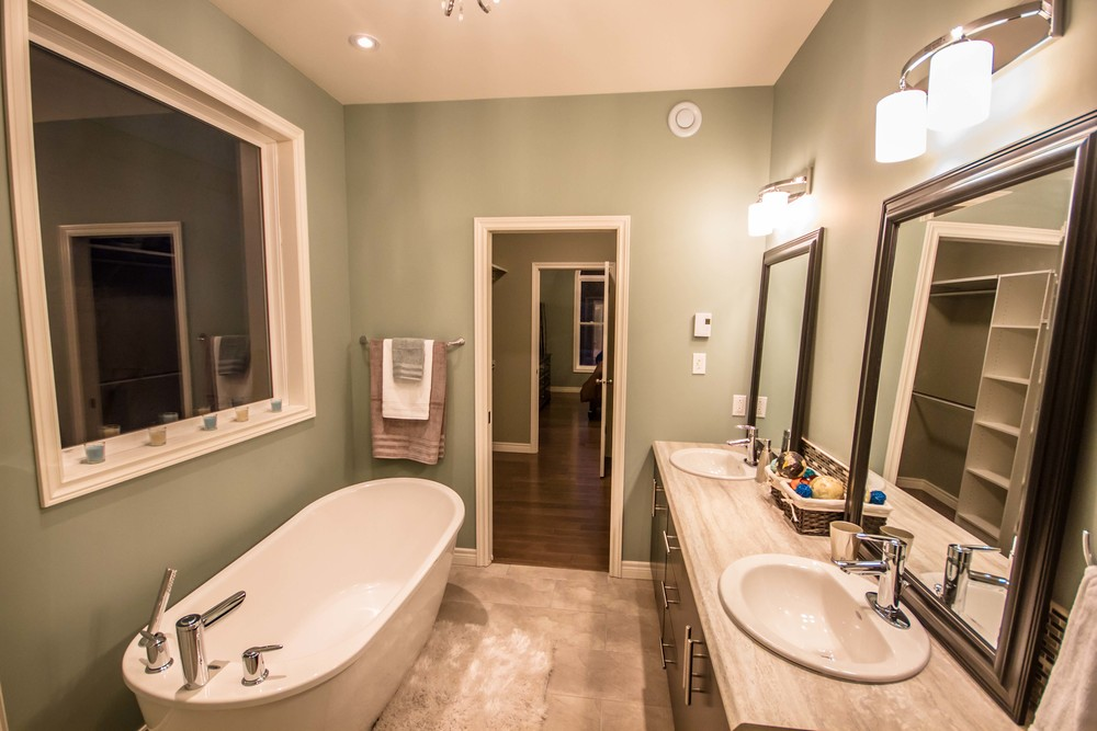 1 Megan Ridge - Master Bathroom3.jpg