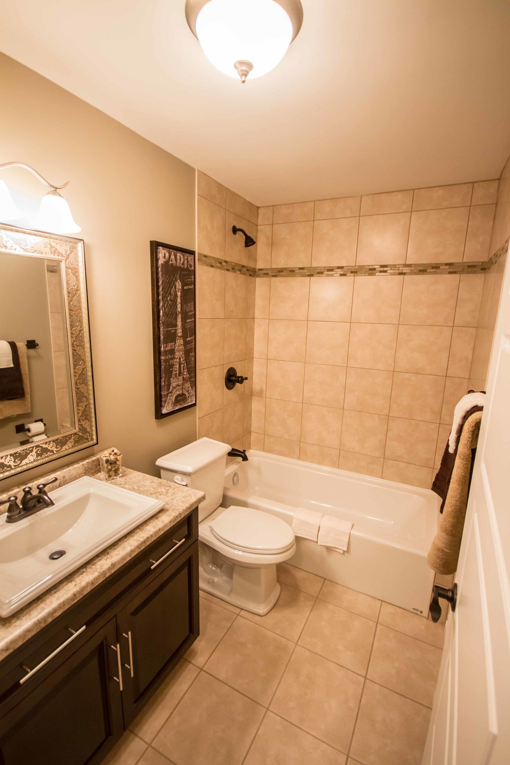 Kestrel Suites - Bathroom.jpg