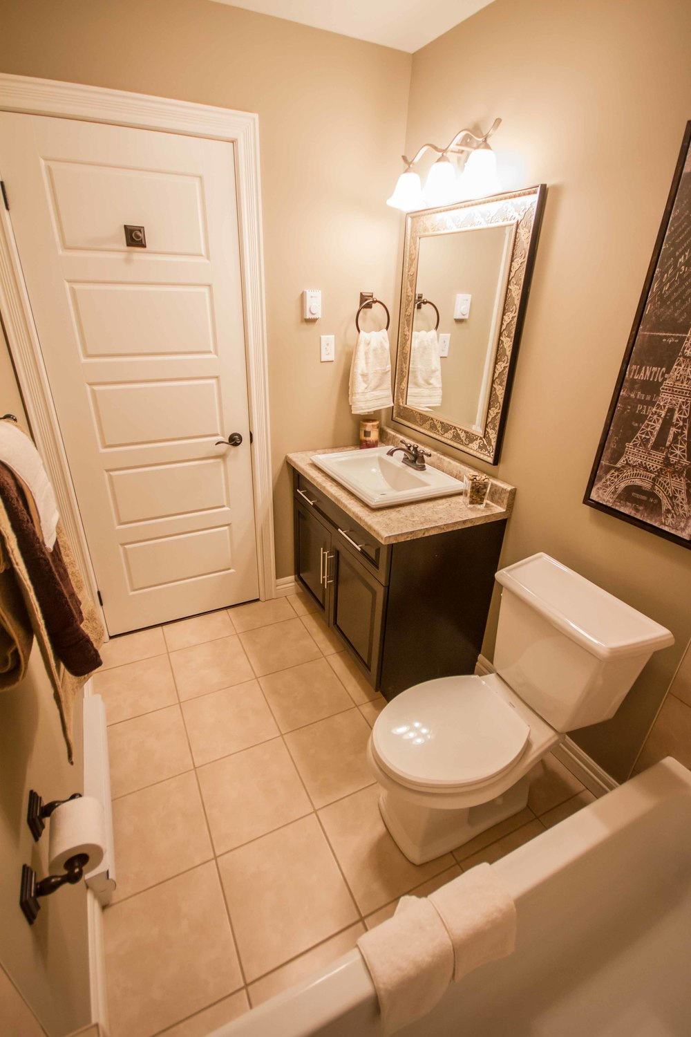 Kestrel Suites - Bathroom2.jpg