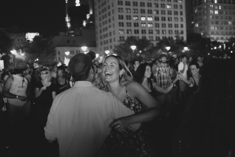 dancing moonlight rue vie