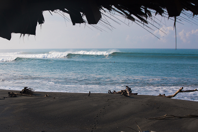 @captainbarto-CaptainsCamera-Waves-Book2-IvyMiller-@ivuss533.jpg