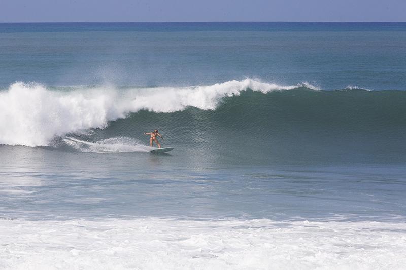 @captainbarto-CaptainsCamera-Waves-Book2-IvyMiller-@ivuss535.jpg