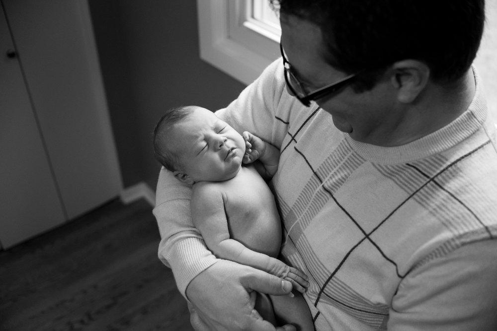JuliaMatthewsPhotography_MadisonWisconsinFamilyPhotography_Newborn-5.jpg