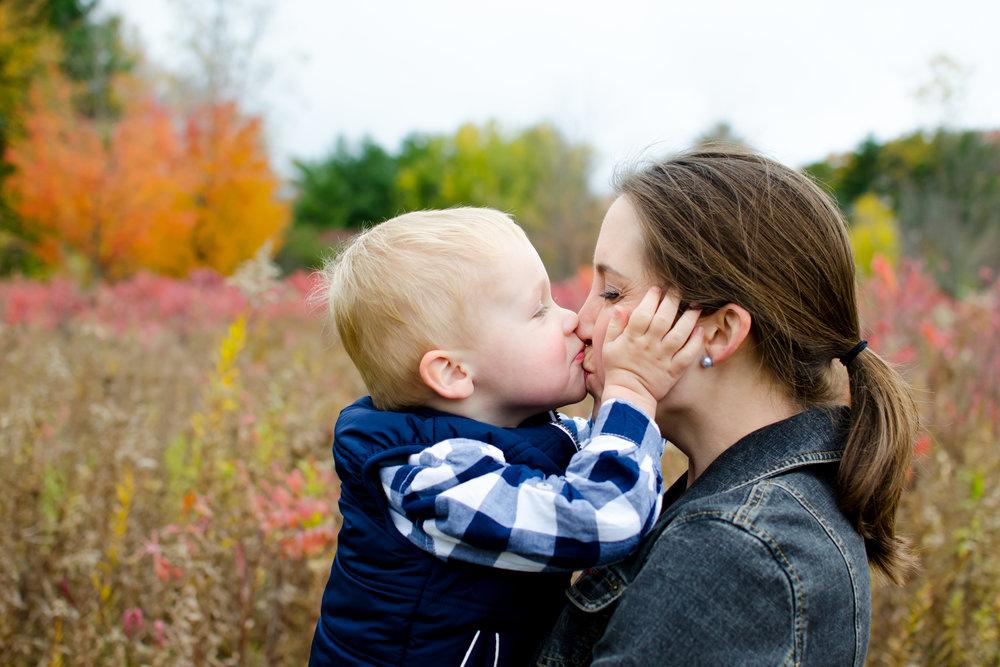 JuliaMatthewsPhotography_MadisonWisconsinFamilyPhotography_Families-5.jpg