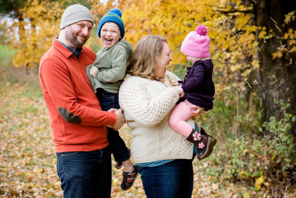 JuliaMatthewsPhotography_MadisonWisconsinFamilyPhotography_Families-11.jpg