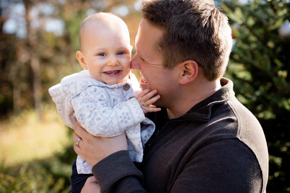 JuliaMatthewsPhotography_MadisonWisconsinFamilyPhotography_Families-27.jpg