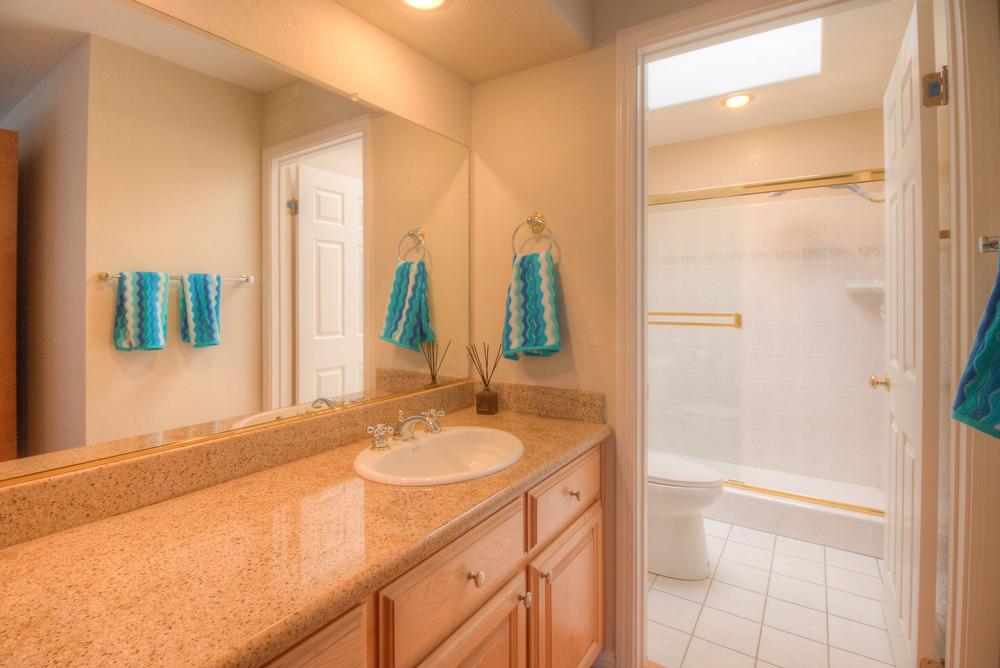 Firewood Suite Bath1.jpg
