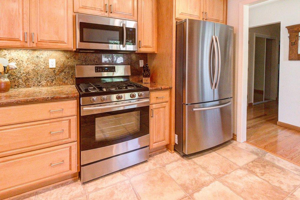 Ridgewood Kitchen Main2.jpg