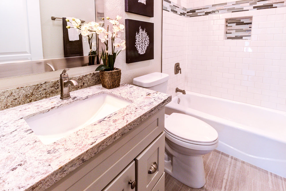 JacquesFullbathroom1.jpg