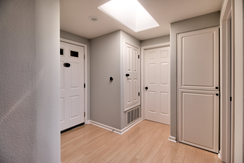 Hall1 (1).jpg