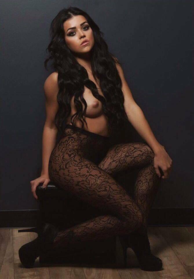 Amanda Ramsey (Nude)