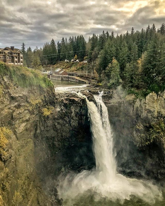 Chasing Waterfalls #snoqualmiefalls #waterfalls #pnw #iphone7plus