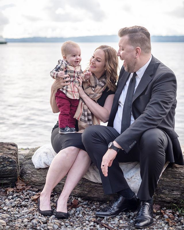 The candid ones are always the best. #familyportraits #pnw