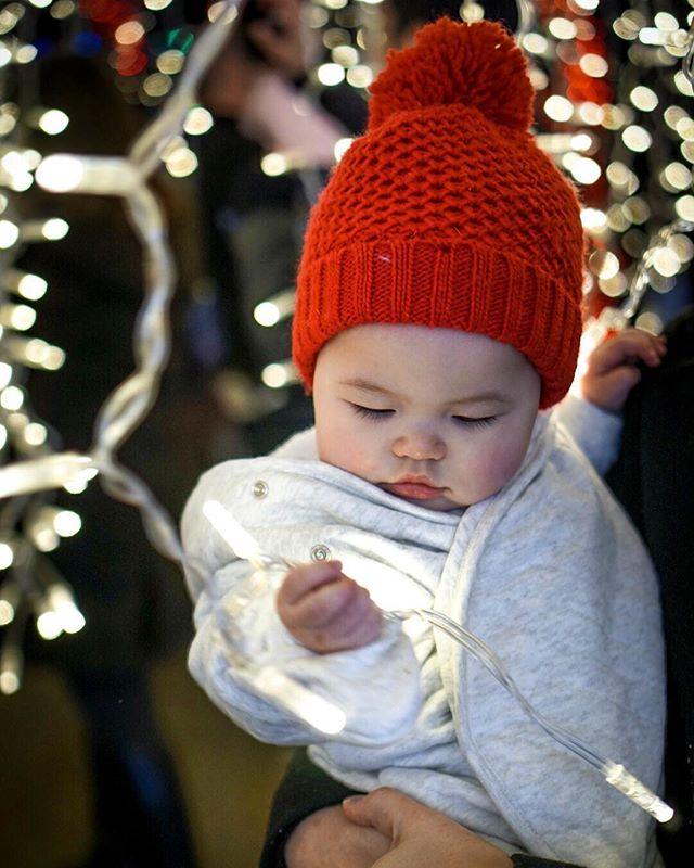 Ooo la la 👀 #enchantchristmas #christmaslights