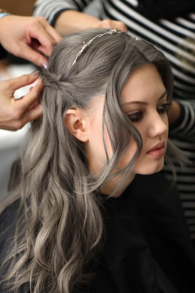 #greyhair #greytrend #grannyhair #2015haircolor #grey #2015trends #2015hair