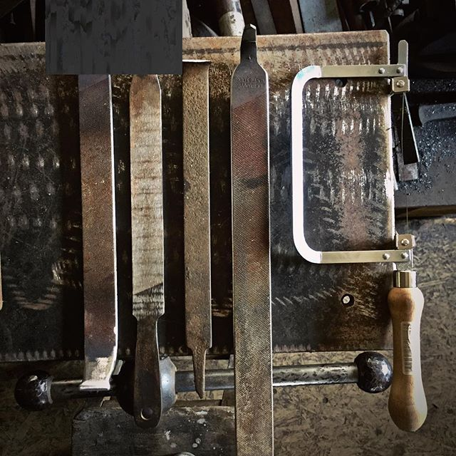 Tool making 😃 #oldfiles📸 #handmadetoolsrule #dayslikethesearethebest #havingfun #weekendvibes