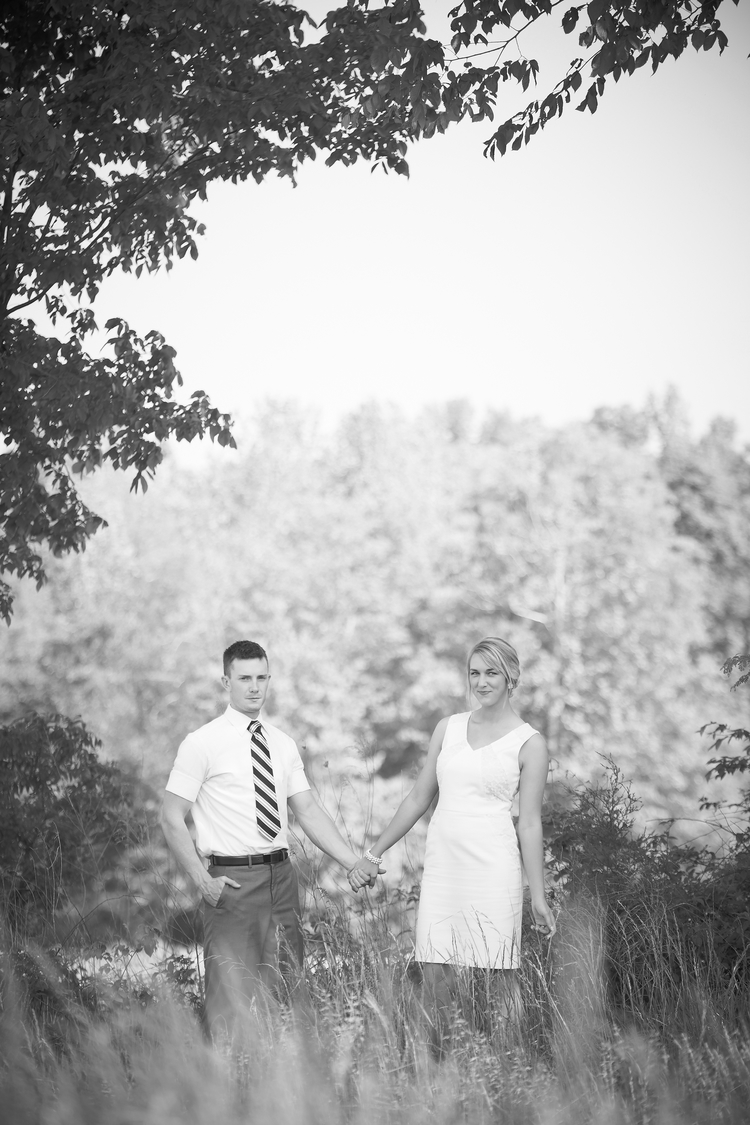 Engagement Photography  - Paducah Kentucky - Photographer Brad R