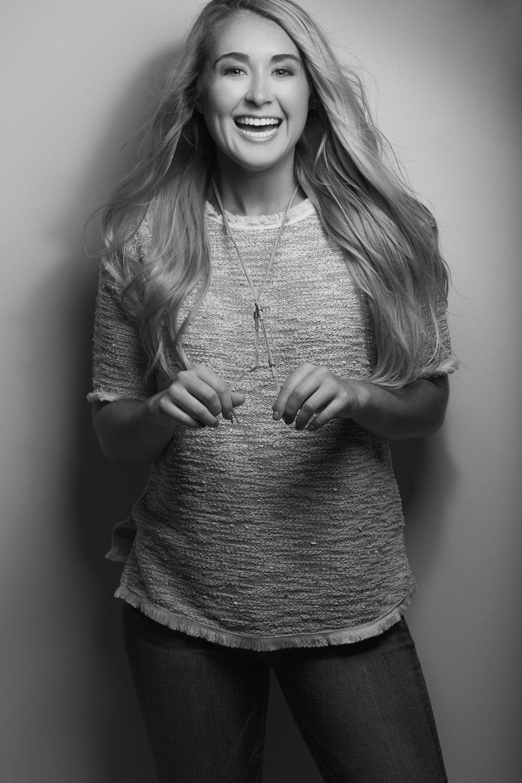 Hallie Poat - McCracken Co High School - Senior Portrait
