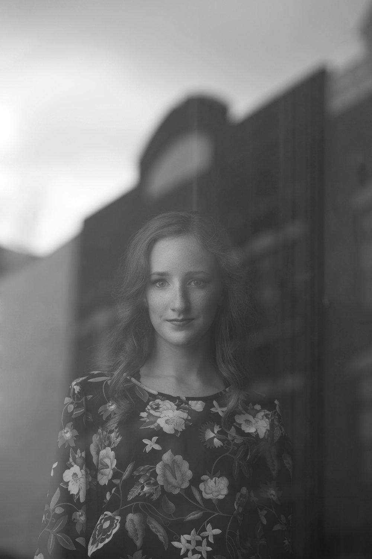 Claire Kelly - Paducah Tilghman - Senior Portrait - Class of 2017