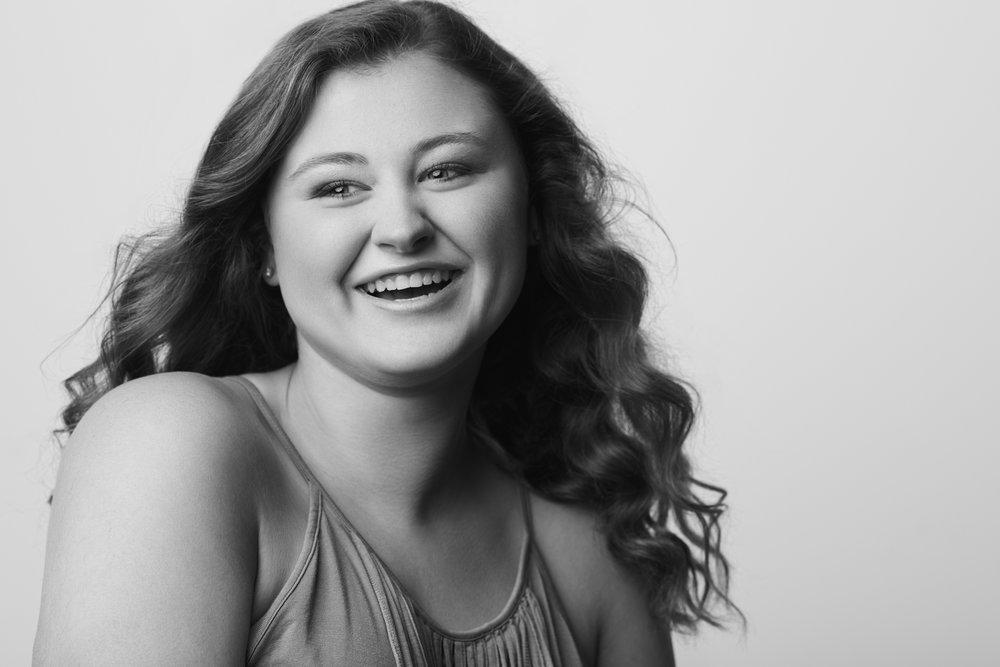 Kaylee Jones - Marshall Co High School - Senior Portrait - Brad Rankin Studio