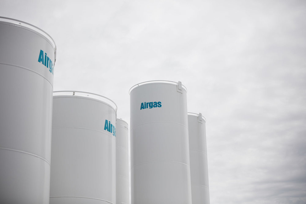 36708 - Airgas Ribbon Cutting - 05.23.17 - BRS.jpg