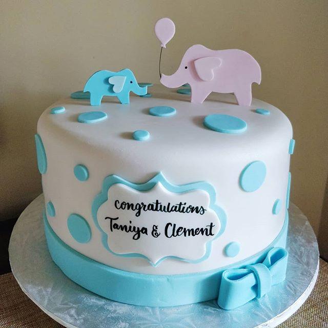 Cute cake to celebrate the anticipation of an even cuter baby! 👣👶😍 . . . . . #angelcake #angelcaketo #cake #babyshowercake #toronto #babyshower #babyboy