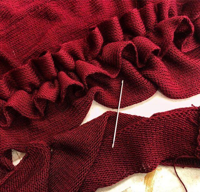 🎀🎀 knitting away 🎀🎀