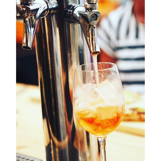 Summer not over just yet !! Negroni's on tap @mobysny 👍🏼🎉🍷