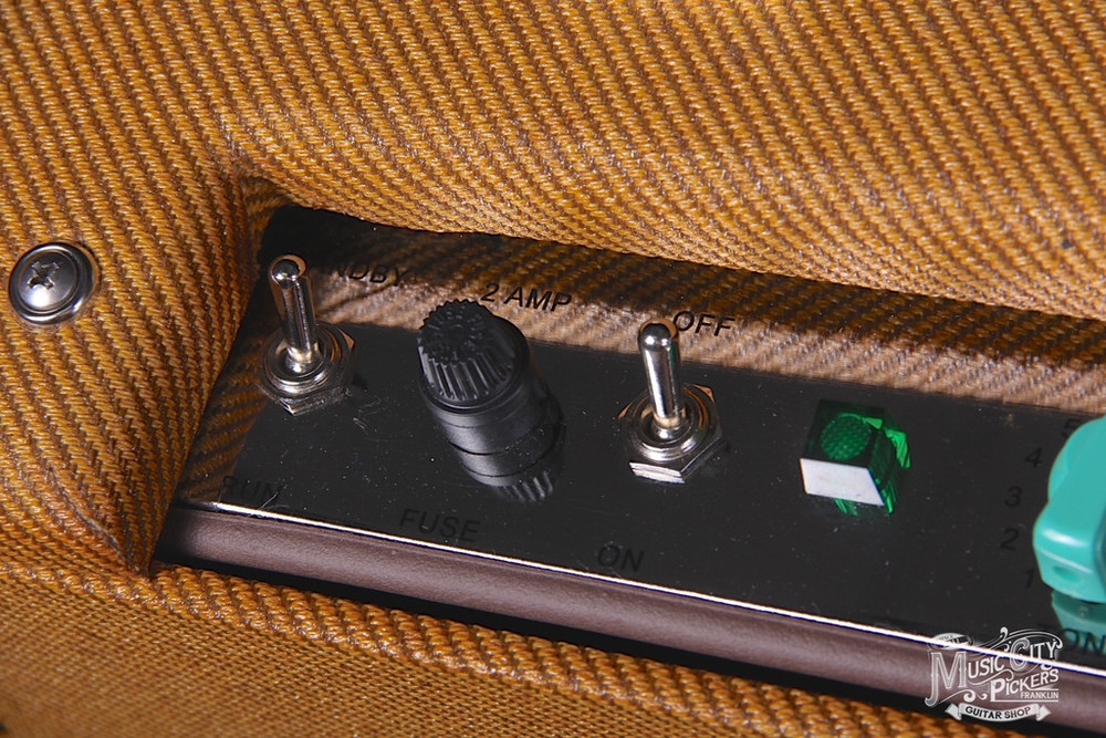 Tyler_Amps_20.20_Tweed_Amp_Green_Knobs7_1024x1024.JPG