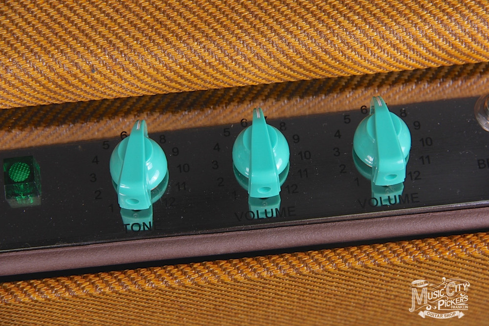Tyler_Amps_20.20_Tweed_Amp_Green_Knobs6_1024x1024.JPG