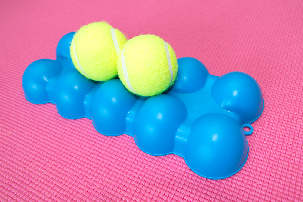 The Back King - Angled Top Side 2 Centered Tennis Balls